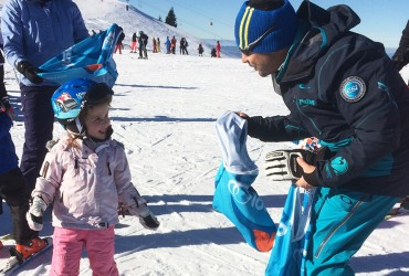 Ski lessons for 3yo 4yo 5yo with ZigZag Ski School Samoens