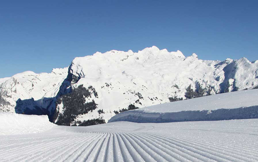 Ski guiding Grand Massif with ZigZag Ski School
