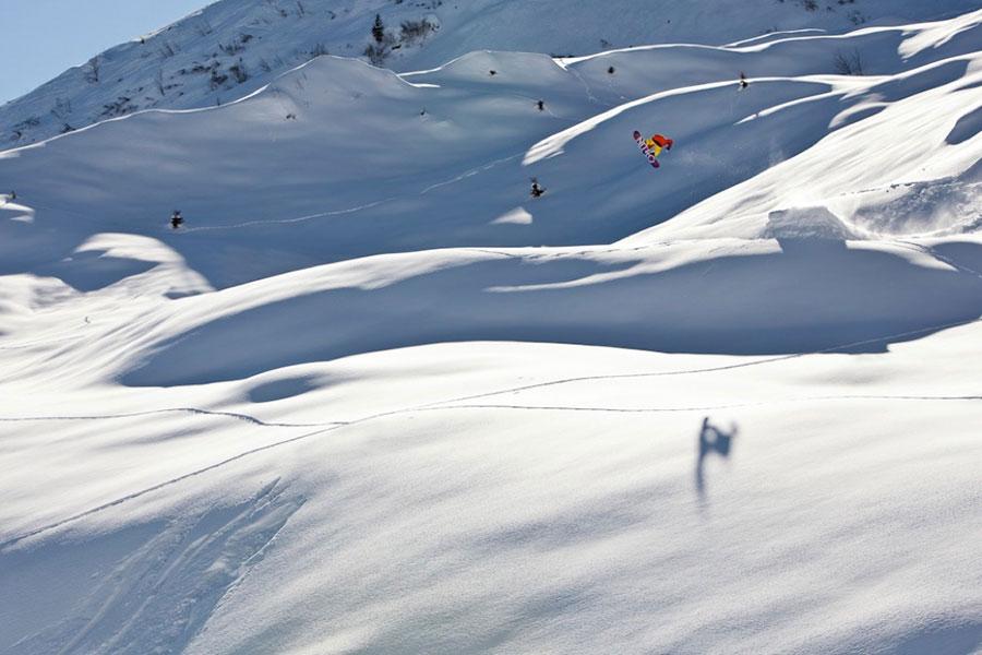 expert level snowboard lessons in Samoens